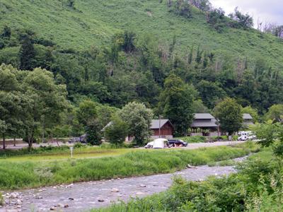山形県 白い森オートキャンプ場
